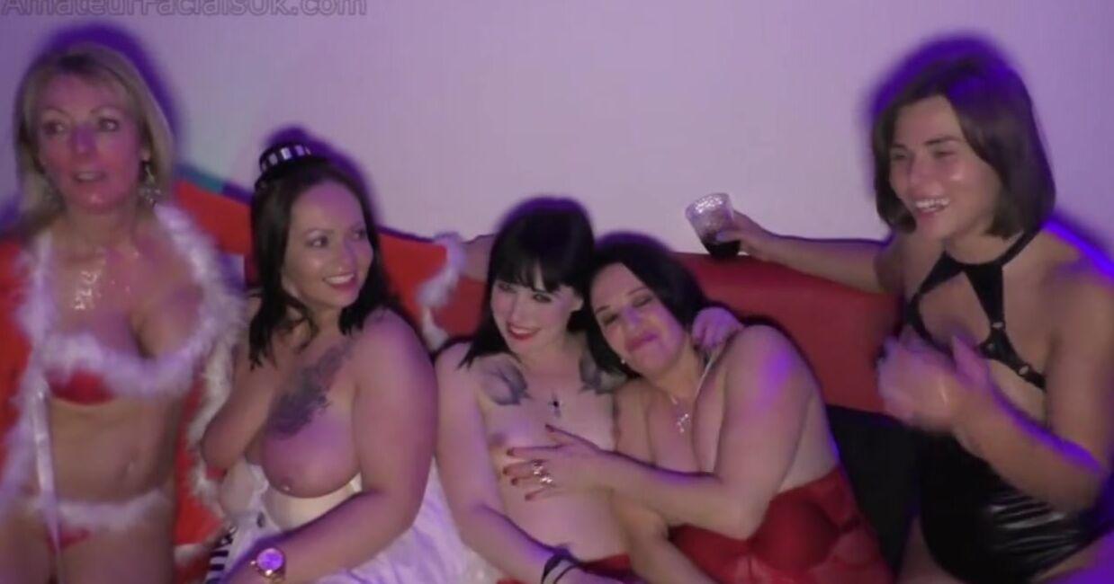 Новогодняя вечеринка свингеров с камшотами не женские лица