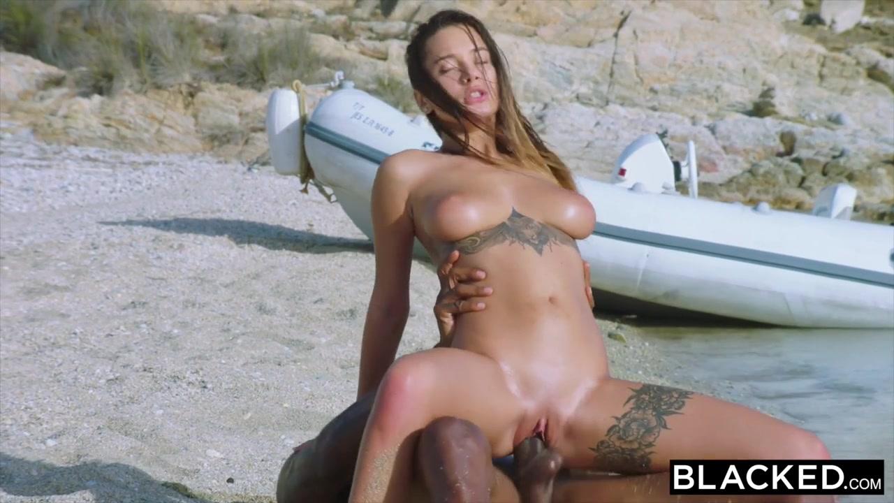 Секс С Грудастой Девушкой И Негр